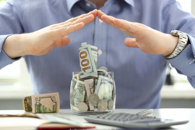 копить избыточные денежные средства